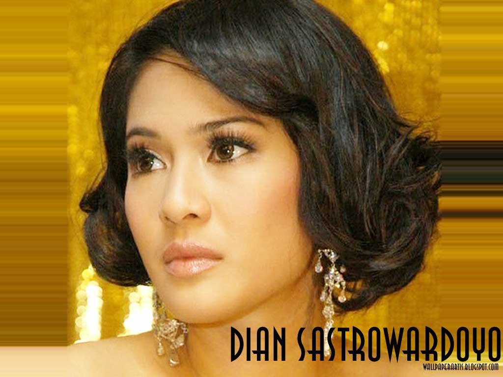 Koleksi Foto Artis Bugil Indonesia Foto Bugil Dian Sastro: Wallpaper-dian-sastrowardoyo